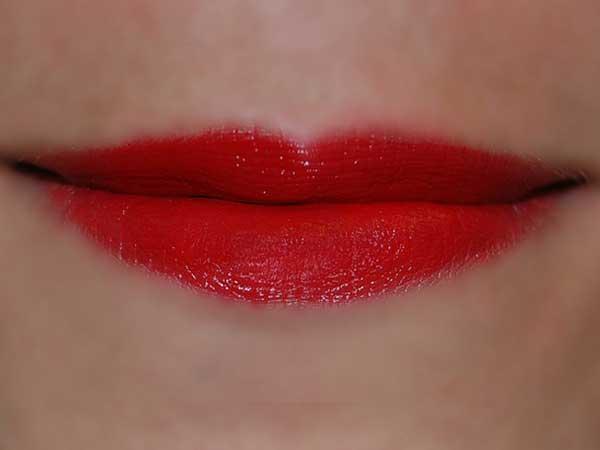 Mund kuss frau rot lippen liebe stift kosmetik