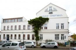 Das Frauenstadthaus horizontal von der Seite