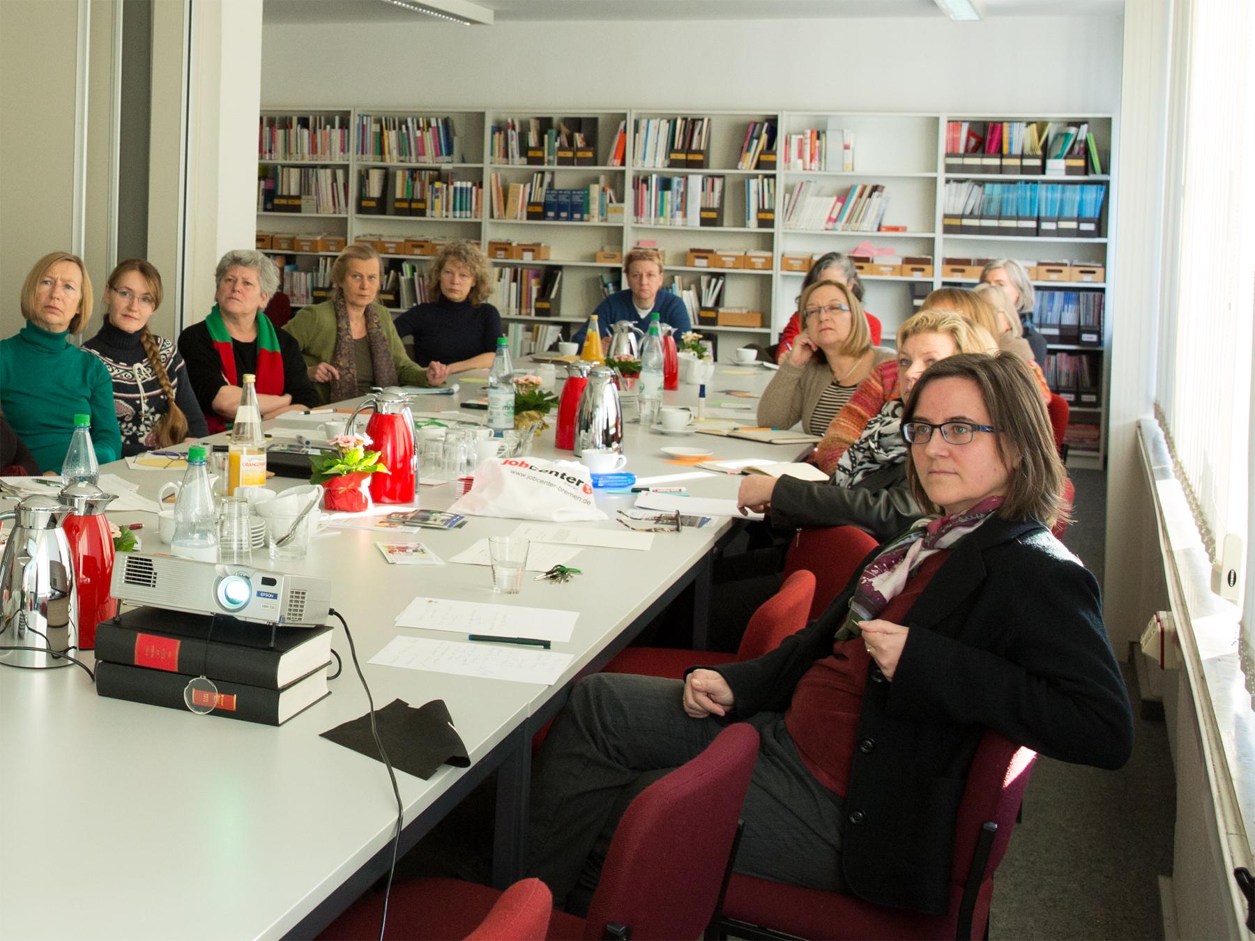 Frauen in einem Meeting