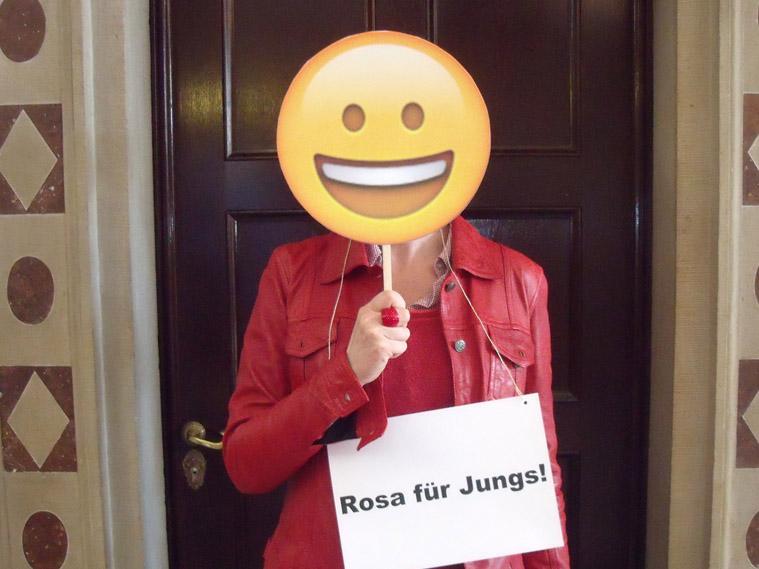 Rosa für Jungs, Frau mit Emoticon