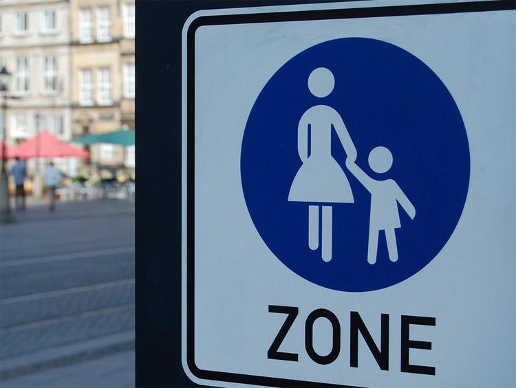 verkehrsschild Mutter-Kind-Zone