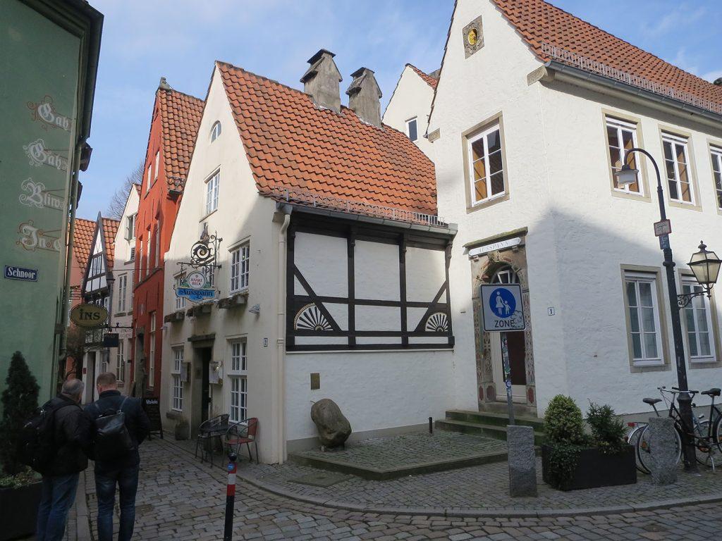 Ausspann, Mittelalterliches Gebäude