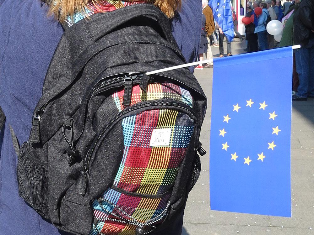 Rucksack mit Europaflagge