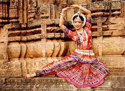 traditionelles indisches Tanzgewandt bunt