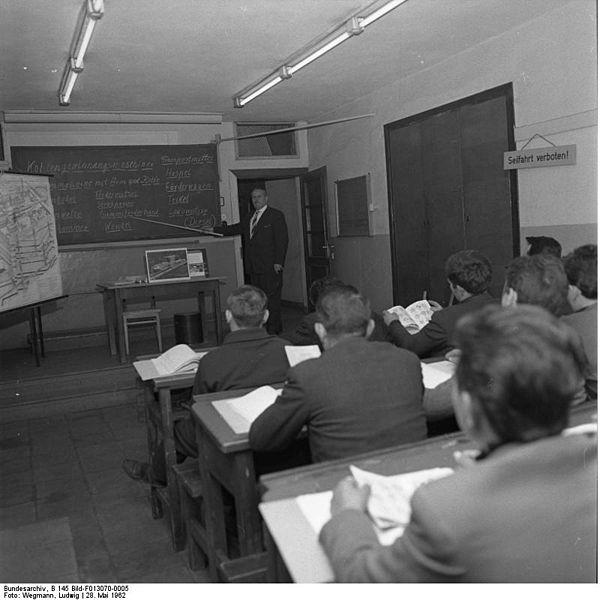 Italienische Gastarbeiter im Unterricht