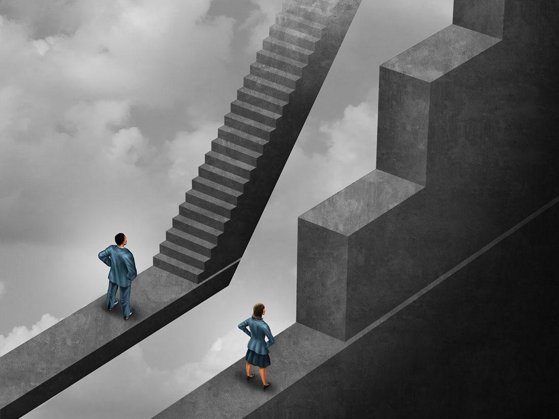 Mann und Frau stehen jeweils vor einer Treppe mit unterschiedlich hihen Stufen. Die Stufen, die die Frau erklimmen muss sind höher als sie selber