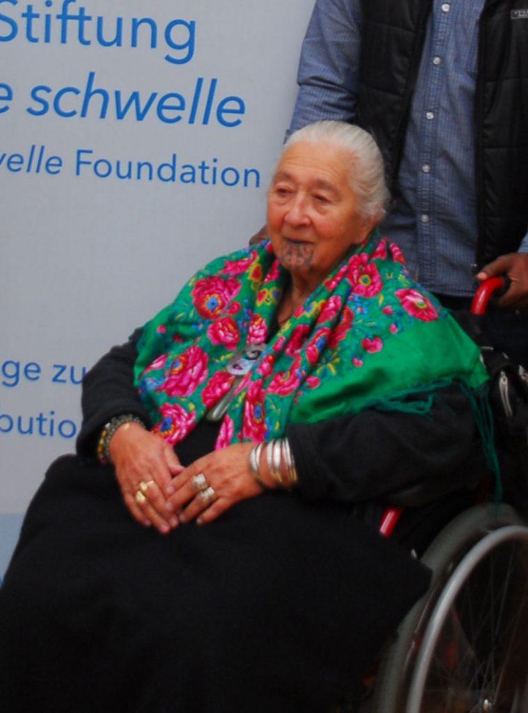 Bremer Friedenspreis, Ältere Frau im Rollstuhl