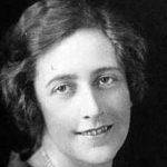 tografie der jungen Agatha Christie ab Schulter aufwärts