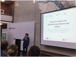 """Landesfrauenbeauftragte Bettina Wilhelm spricht bei der Veranstaltung """"Arbeit 4.0: Frauen und Digitalisierung, Chancen und Risiken"""