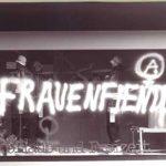 """Schaufenster mit Aufschrift """"Frauenfiendlich"""""""