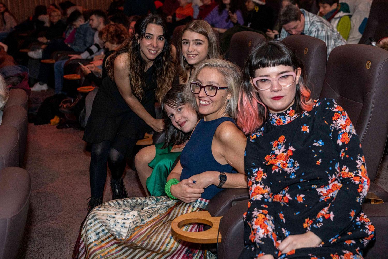Das Team des argentinischen Films Mama, Mama, Mama bei der Premiere auf der Breminale 2020.