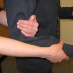 Hände stützen Person