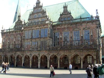 großes altes Gebäude