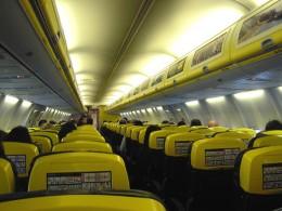 Innenraum eines Flugzeuges mit Passagieren