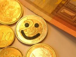 Euro Münzen einer mit smiley