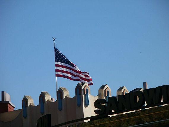 Amerikanische Flagge auf einem Dach