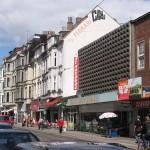 Eine belebte Hauptstraße
