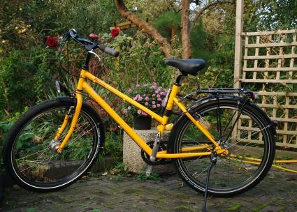 Gelbes 26er Rad mit Ballonreifen